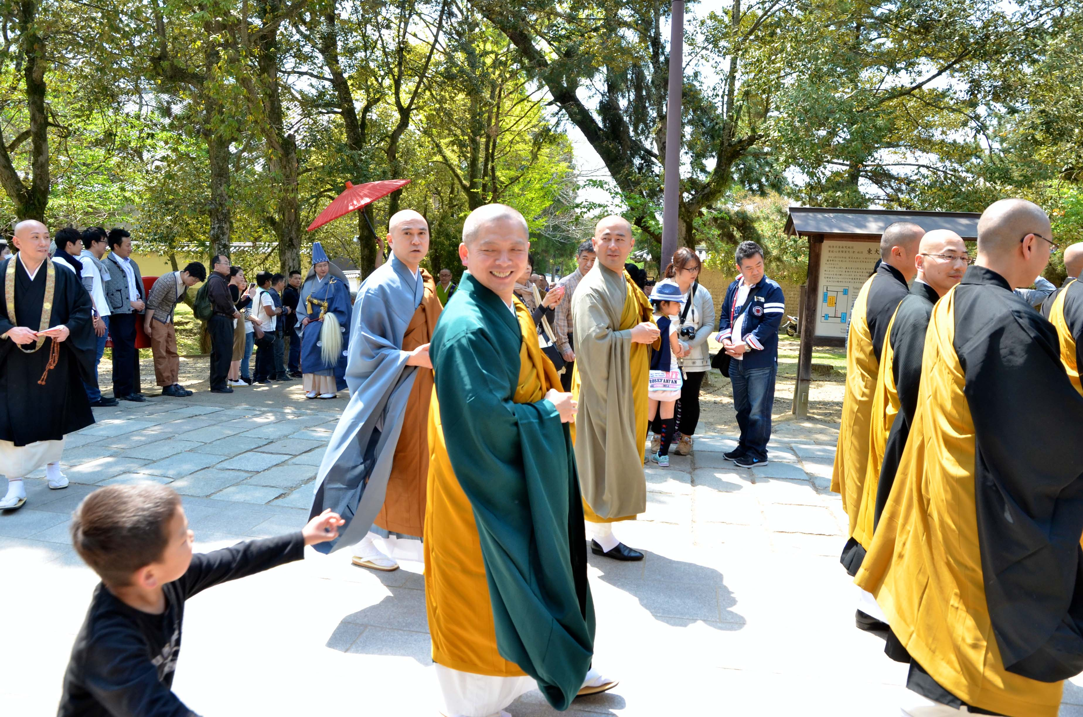 『平成26年度 仏法興隆花まつり千僧法要』開催報告